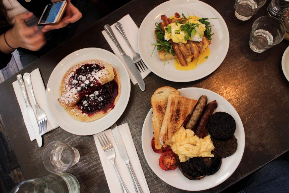 flatlay of breakfasts